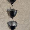 Suibashi est une gouttière décorative en aluminium originale.